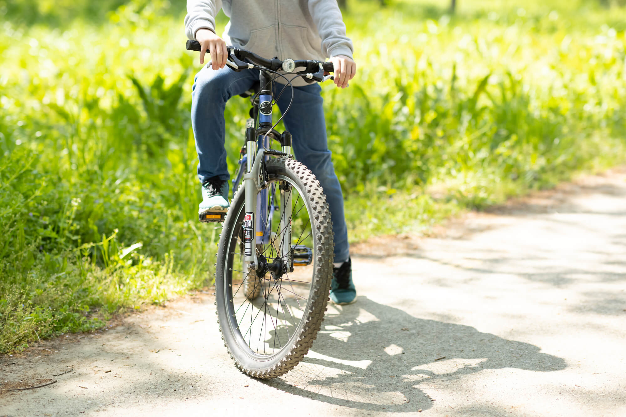 共働き世帯や一人親世帯にもおすすめ!子供の安全対策に「子供用GPS」が役立つワケ