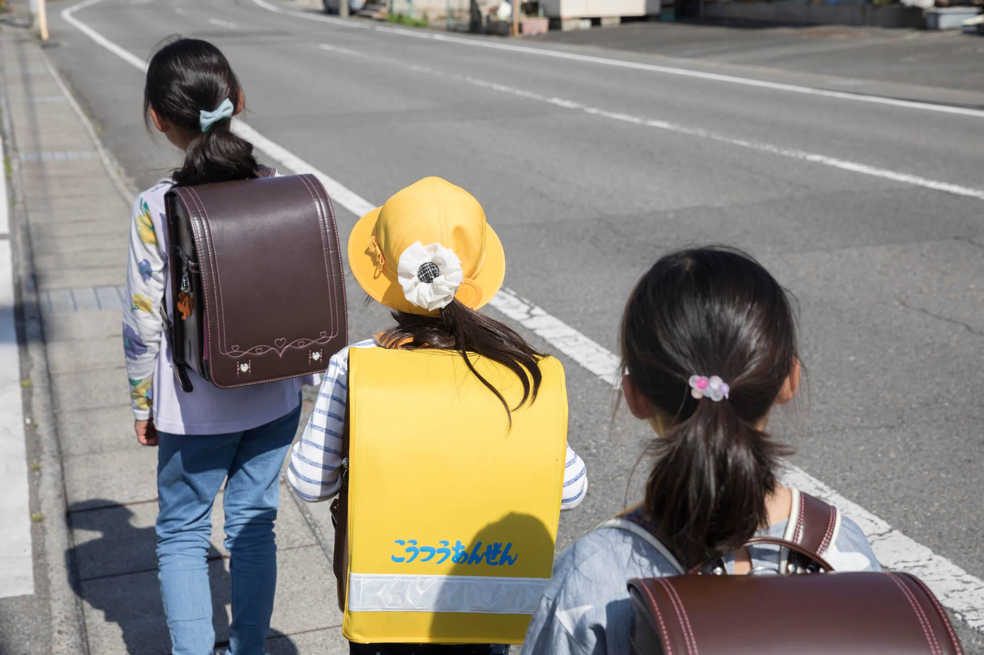 子供用GPSの防犯効果を解説|不審者情報も簡単に把握!